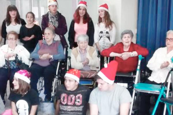 Cantada de nadales a la Residència Rubí_casal de gent gran Rubi