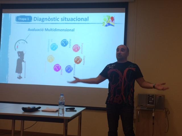El doctor Jordi Amblàs impartint la sessió a Mutuam Collserola