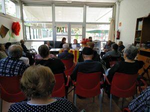 Alguns usuaris del Centre de Dia Onyar es van animar a recitar poemes