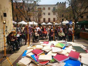 Llibres i carrer no podien faltar en la celebració de la Residència Vila-seca