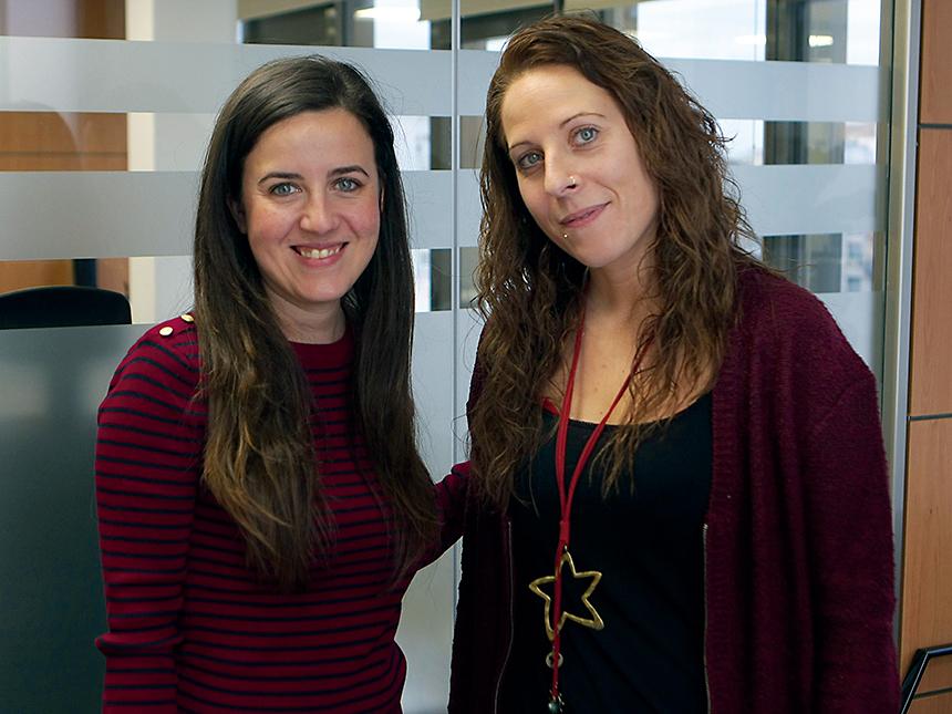 Eva Palazón, coordinadora del Servei d'Orientació Social, i Míriam Pérez, usuària.