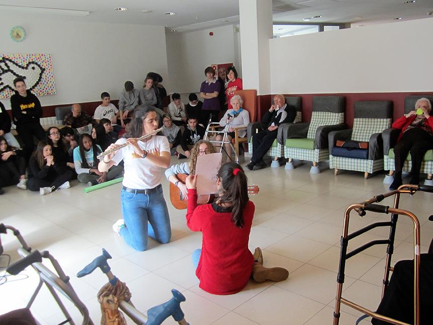 Música intergeneracional a Residència Les Franqueses