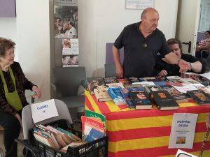 A l'Hospital de dia de l'Hospital Sociosanitari Mutuam Girona van muntar-hi paradeta de llibres